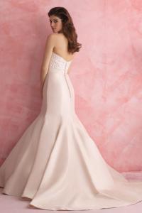 bridal-gowns_allure-romance-2803_B